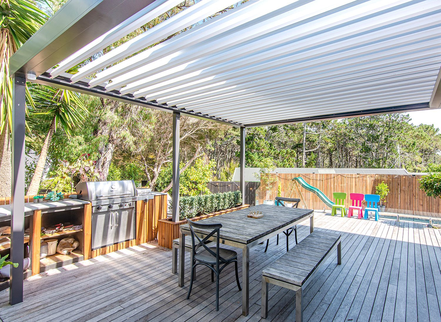 NZ Louvres   Retractable awning   Pergolas   The Louvre Company